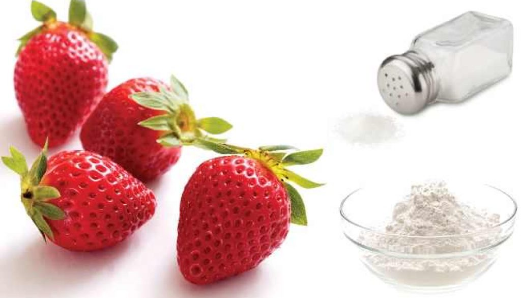 Strawberries-Salt-And-Baking-Soda